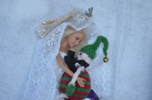 Mr and Mrs Elf - awwwww!