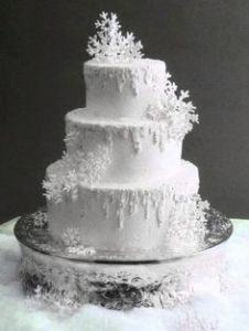 Their amazing wedding cake (photo from http://www.colincowieweddings.com/member/fanjiang1/258832)