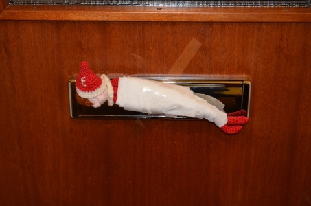 day-1-elf-on-the-shelf-arrival
