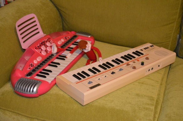 Elf on the Shelf prank 2 pianos