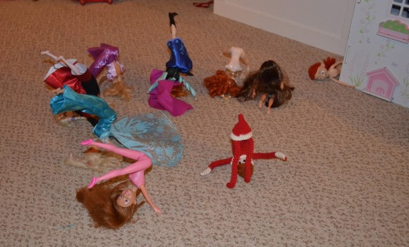 Elf on the Shelf prank exercise class with dolls
