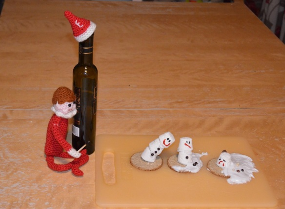 elf on the shelf prank snowmen marshmallows